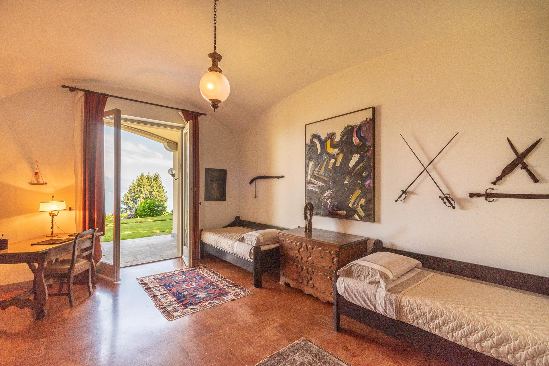 Elegant lake view villa for sale in Stresa - bedroom with a view