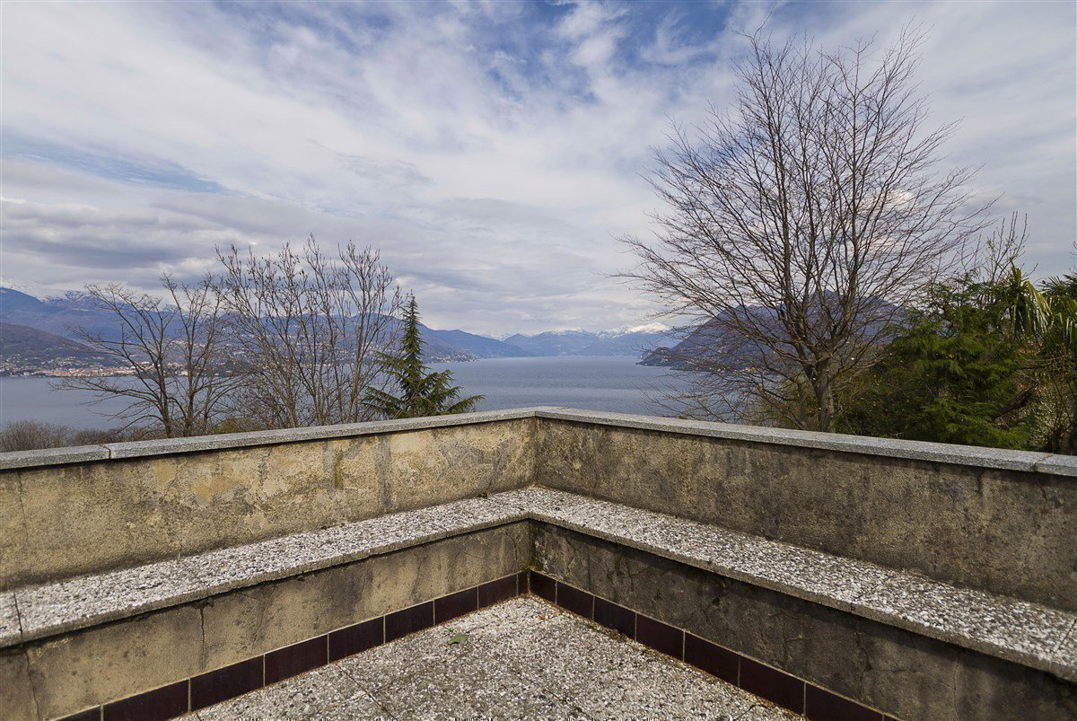 lake view 80s villa in Stresa - lake view terrace
