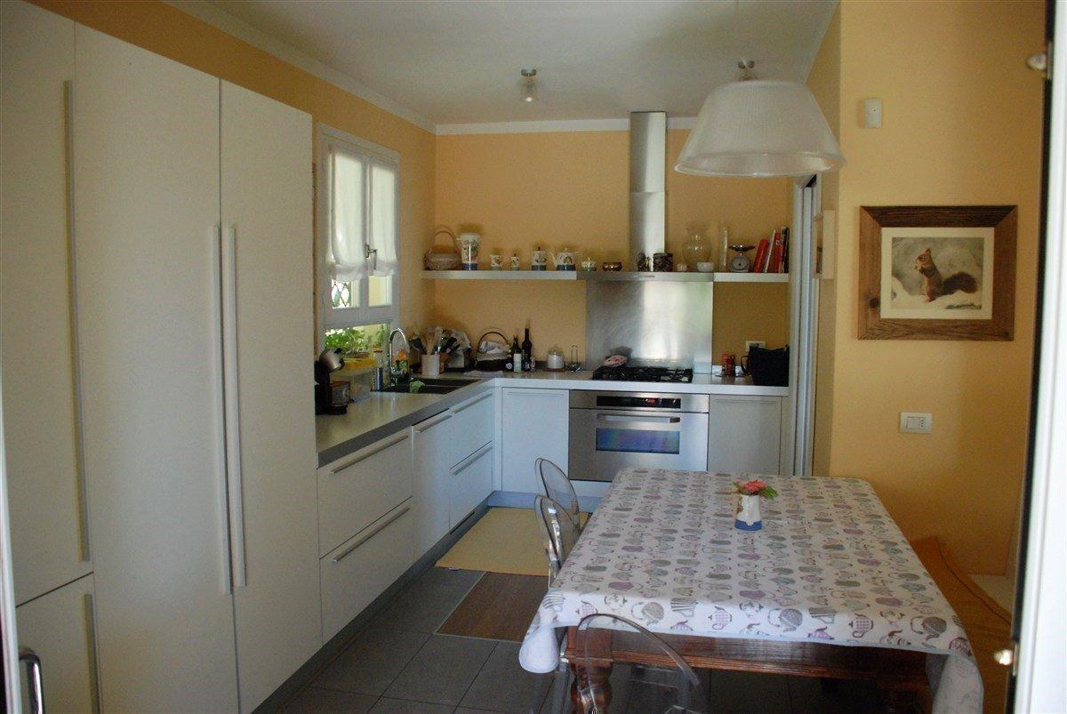 Villa in vendita a Stresa - cucina