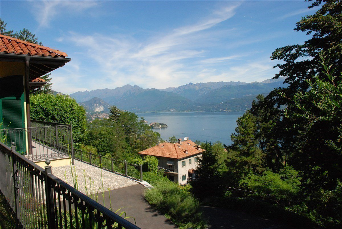 Villa in vendita a Stresa -  vista