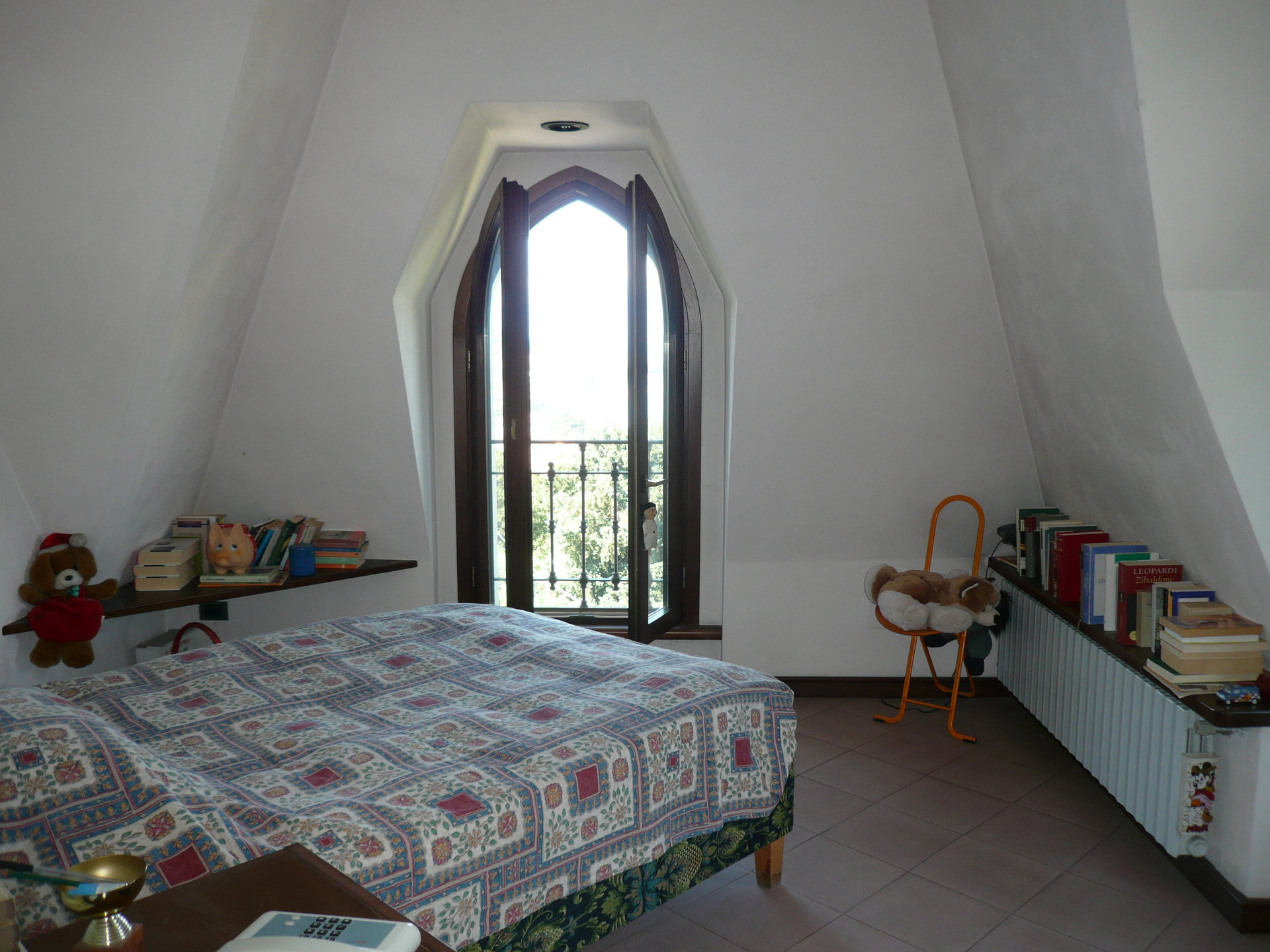 Historic villa for sale in Luino - bedroom