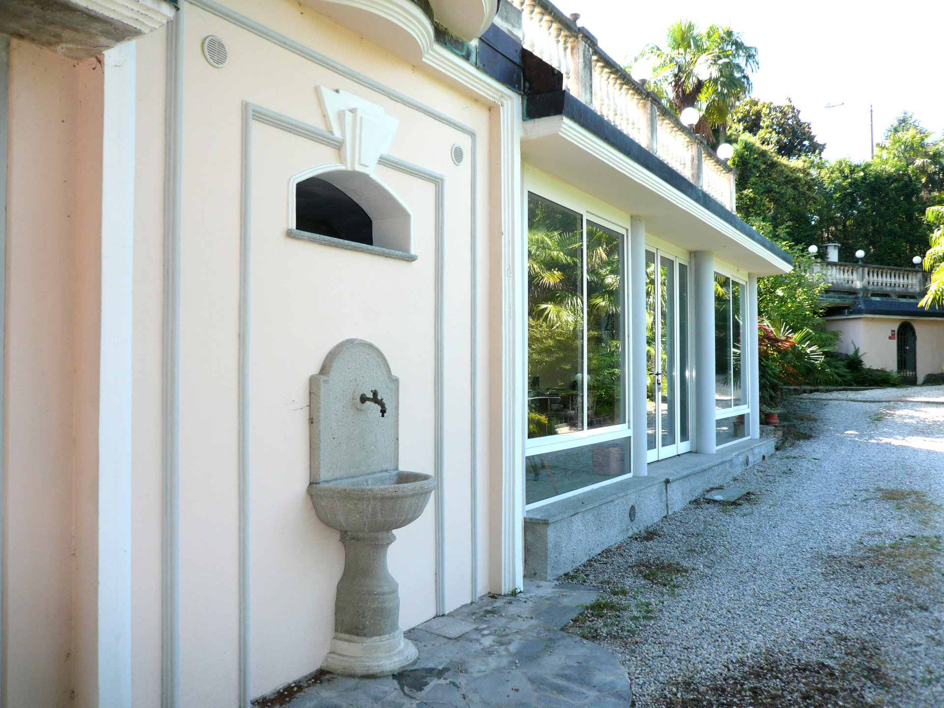 Historic villa for sale in Luino - detail