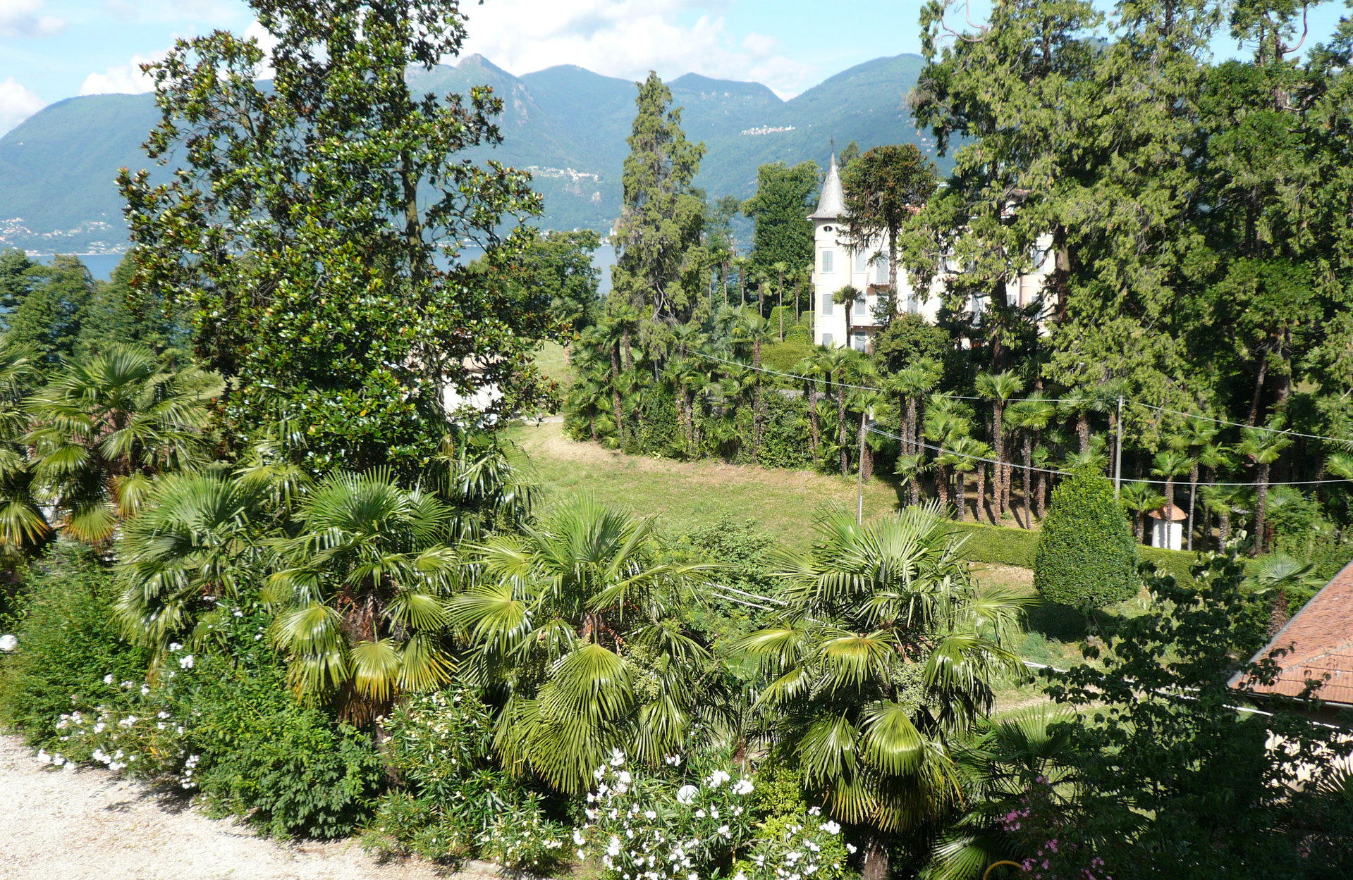 Historic villa for sale in Luino - villa with park