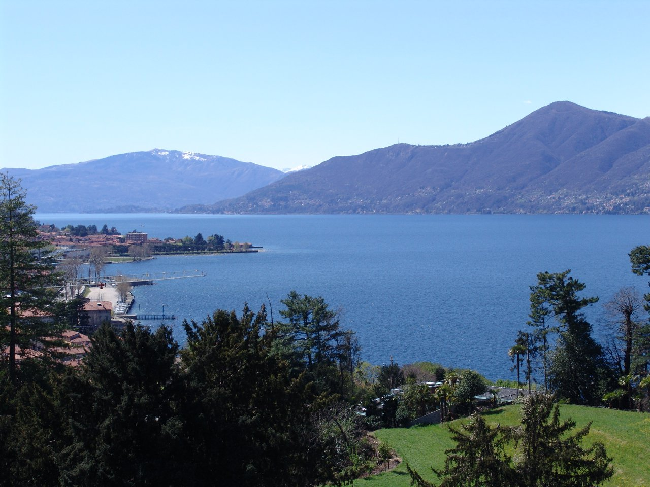 Historic villa for sale in Luino - lake view