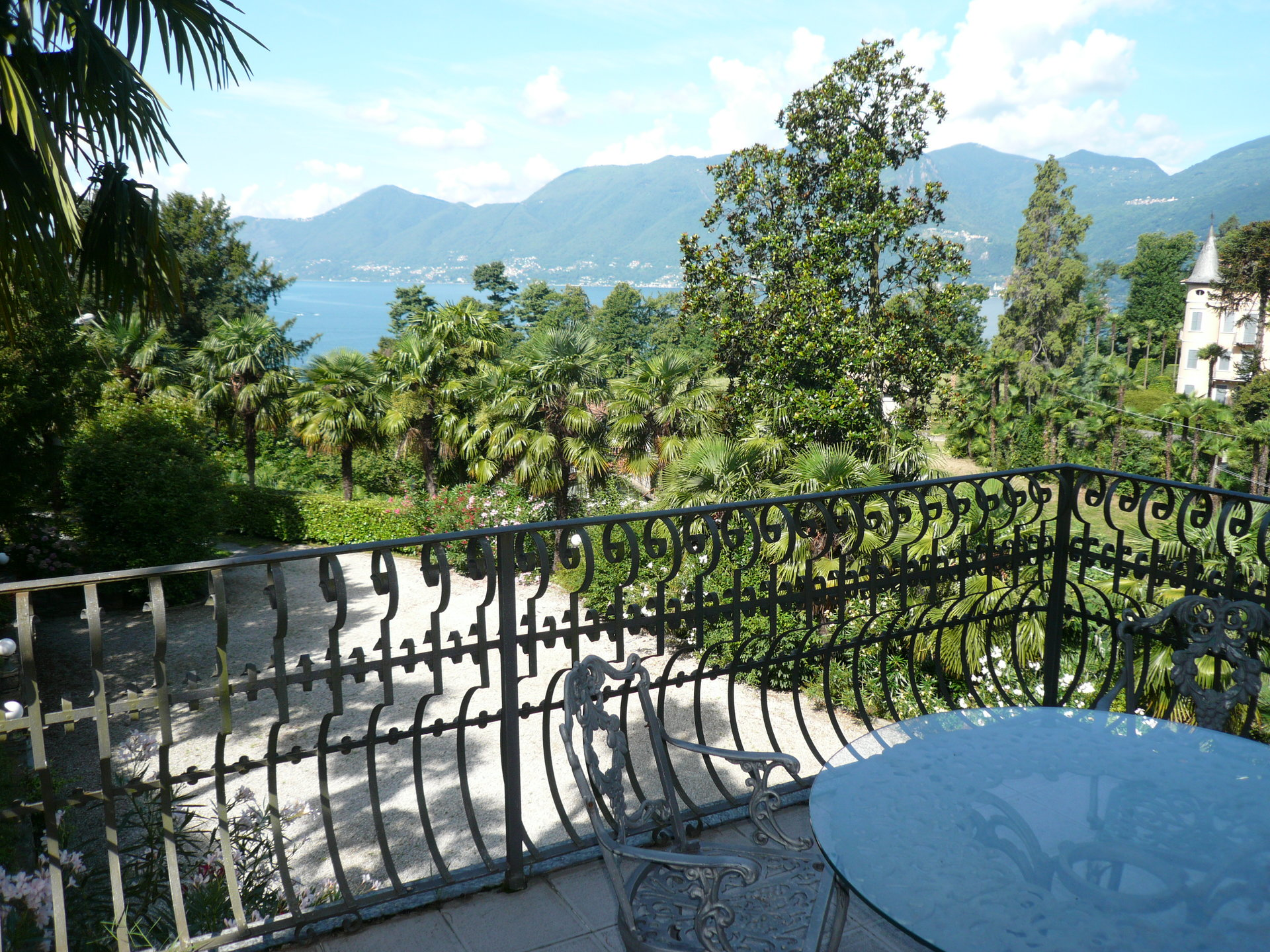 Historic villa for sale in Luino - lake view terrace