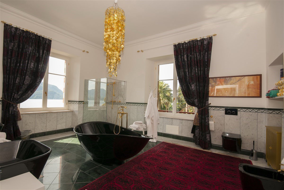 Villa for sale in Ghiffa - bathroom