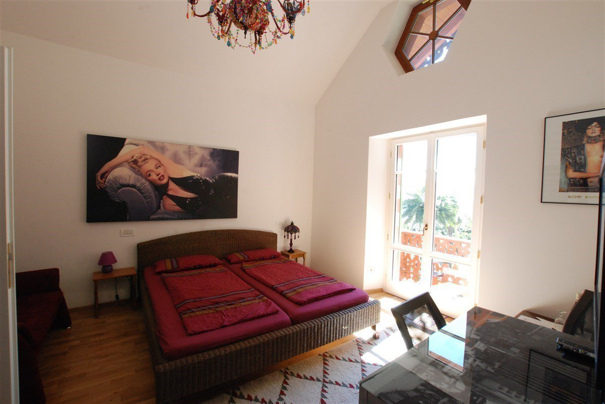 Villa for sale in Ghiffa - bedroom