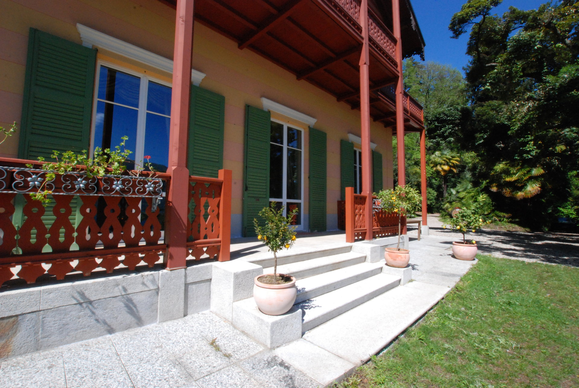 Villa for sale in Ghiffa - entrance