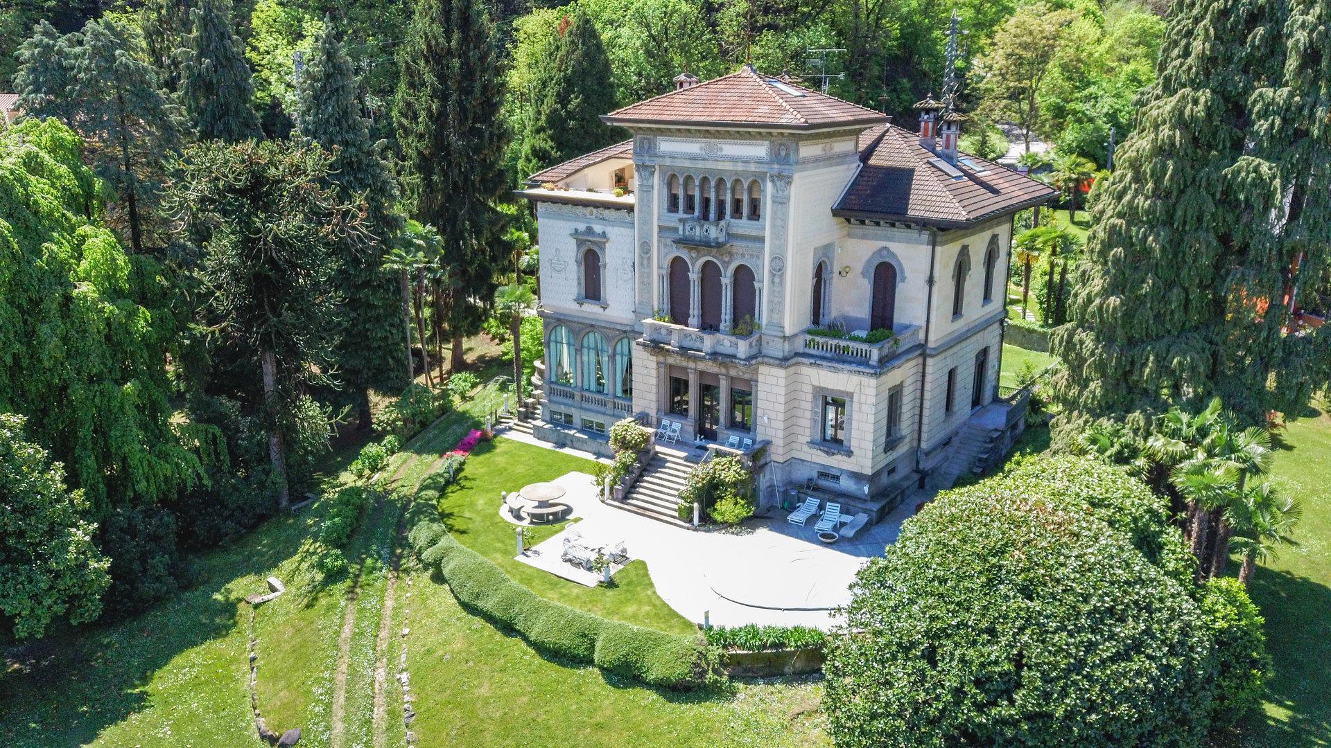 Luxury apartment for sale in Villa in Stresa