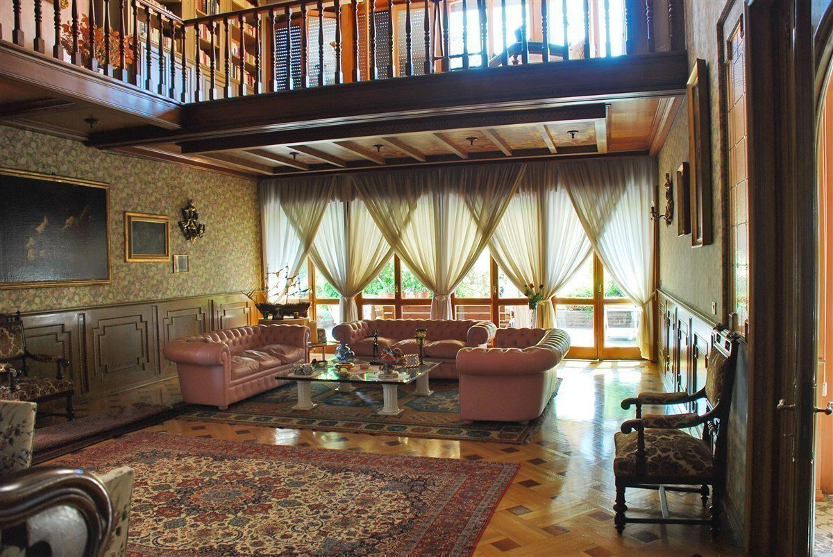 Villa for sale in Arona centre - sitting room