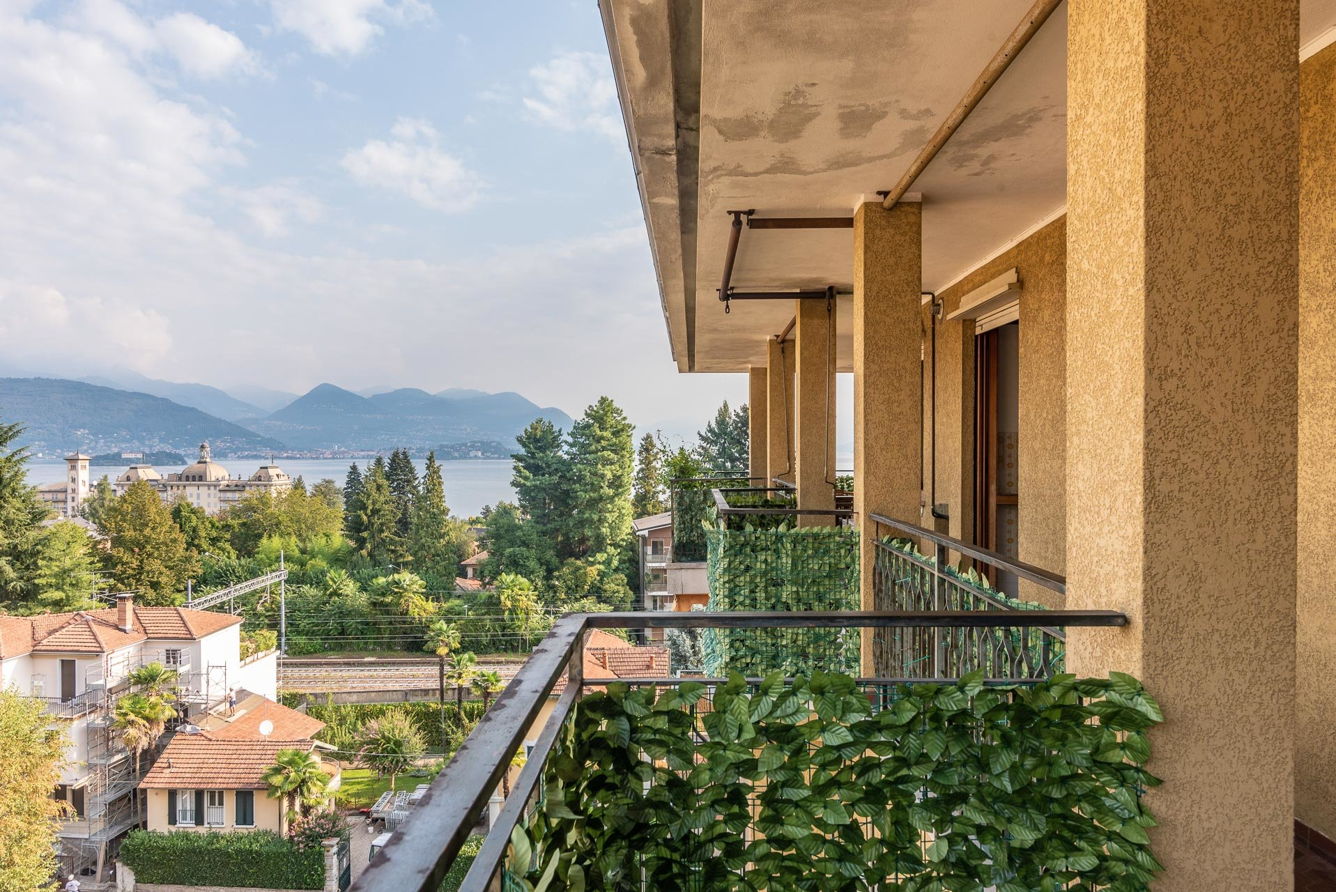 Apartment for rent in Stresa - balcony with lake view