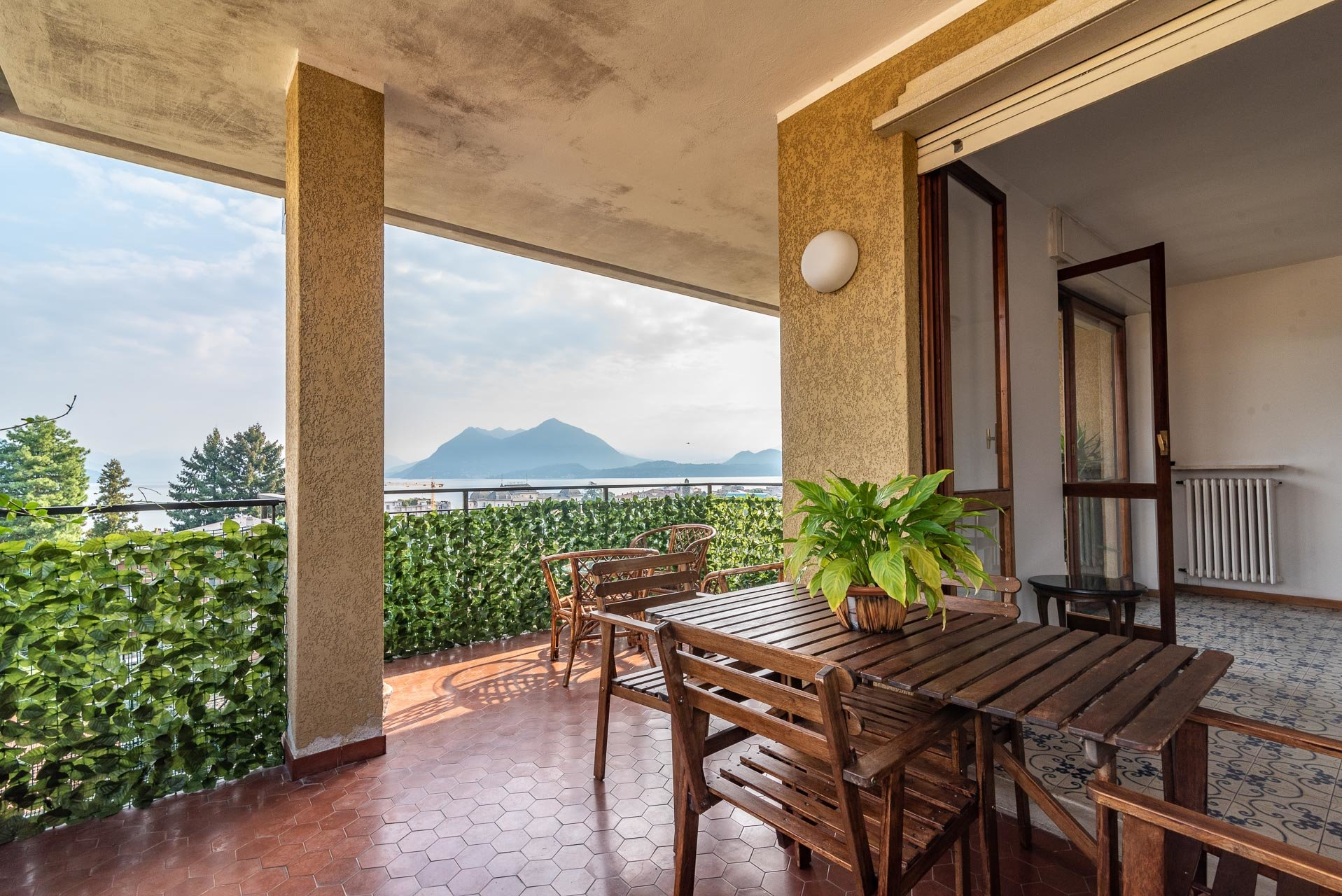 Apartment for rent in Stresa - outdoor dining table