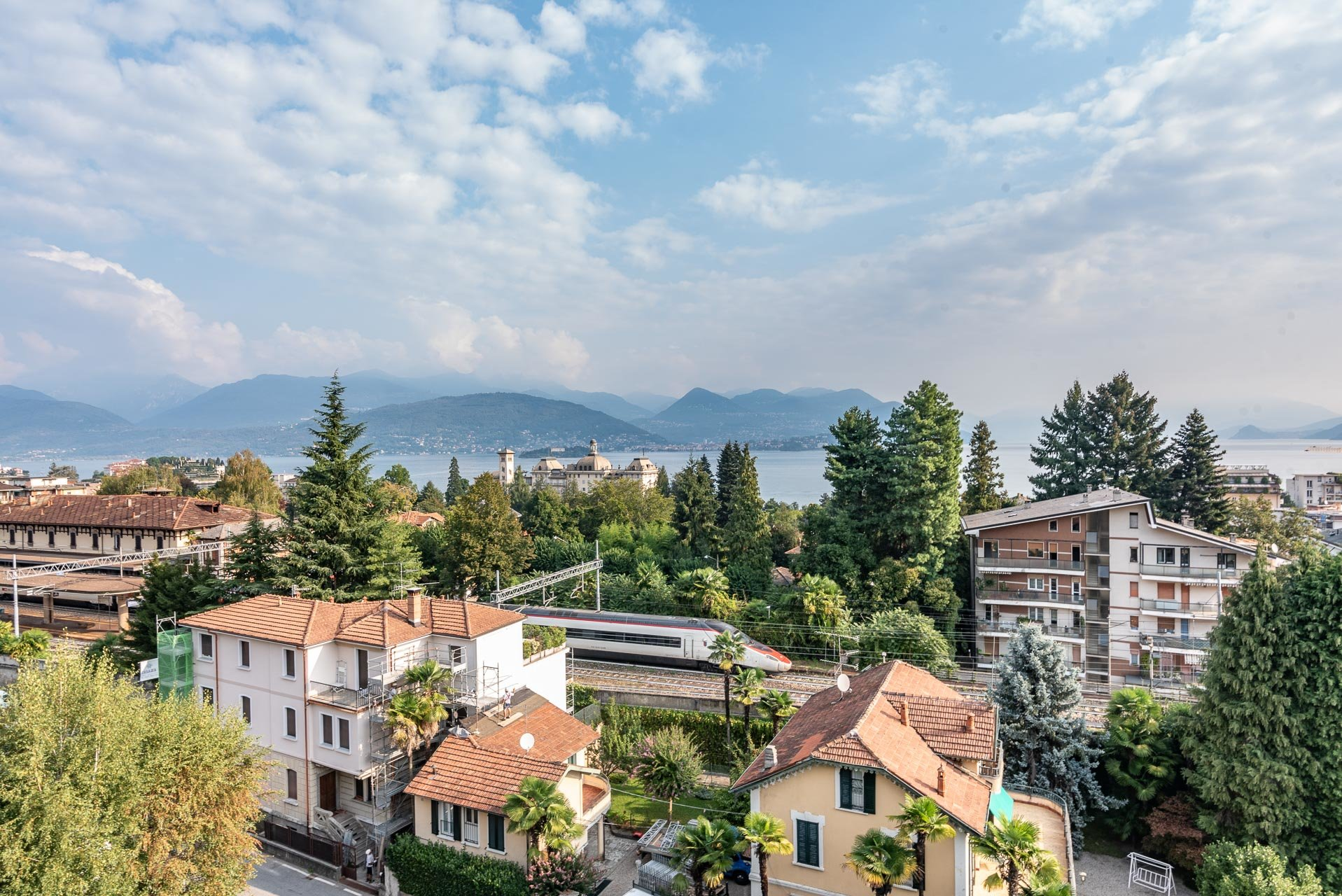 Apartment for rent in Stresa - lake view from the terrace