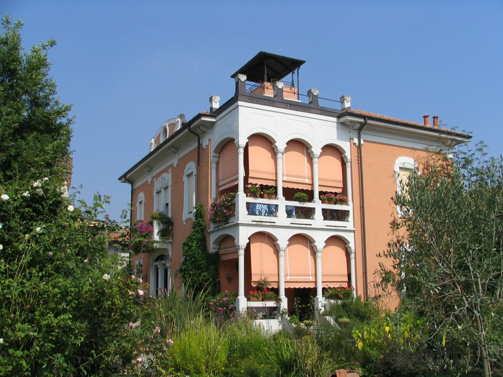 Villa Liberty in Vendita a Mornago