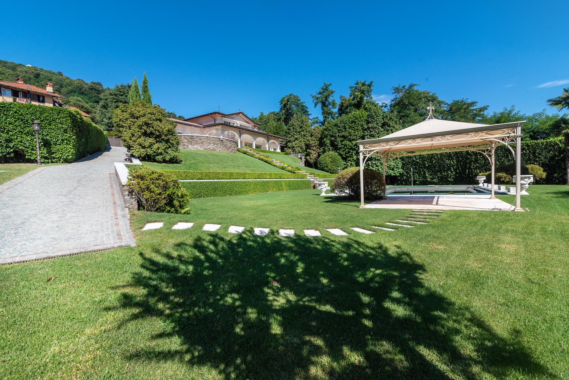 Newly built Villa for sale in Stresa, nearby the lakeside