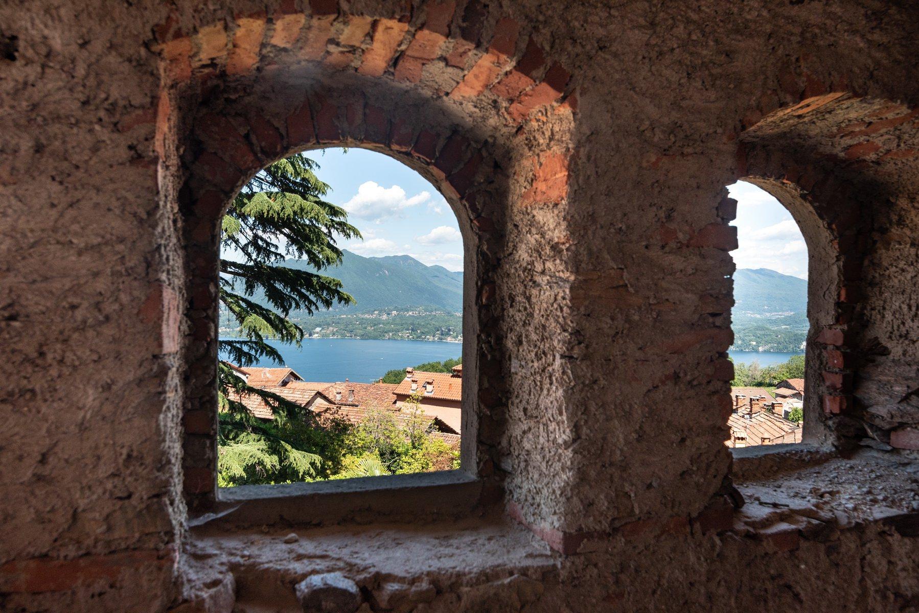 Vendita rustico da ristrutturare sulla collina di Stresa - facciata interna