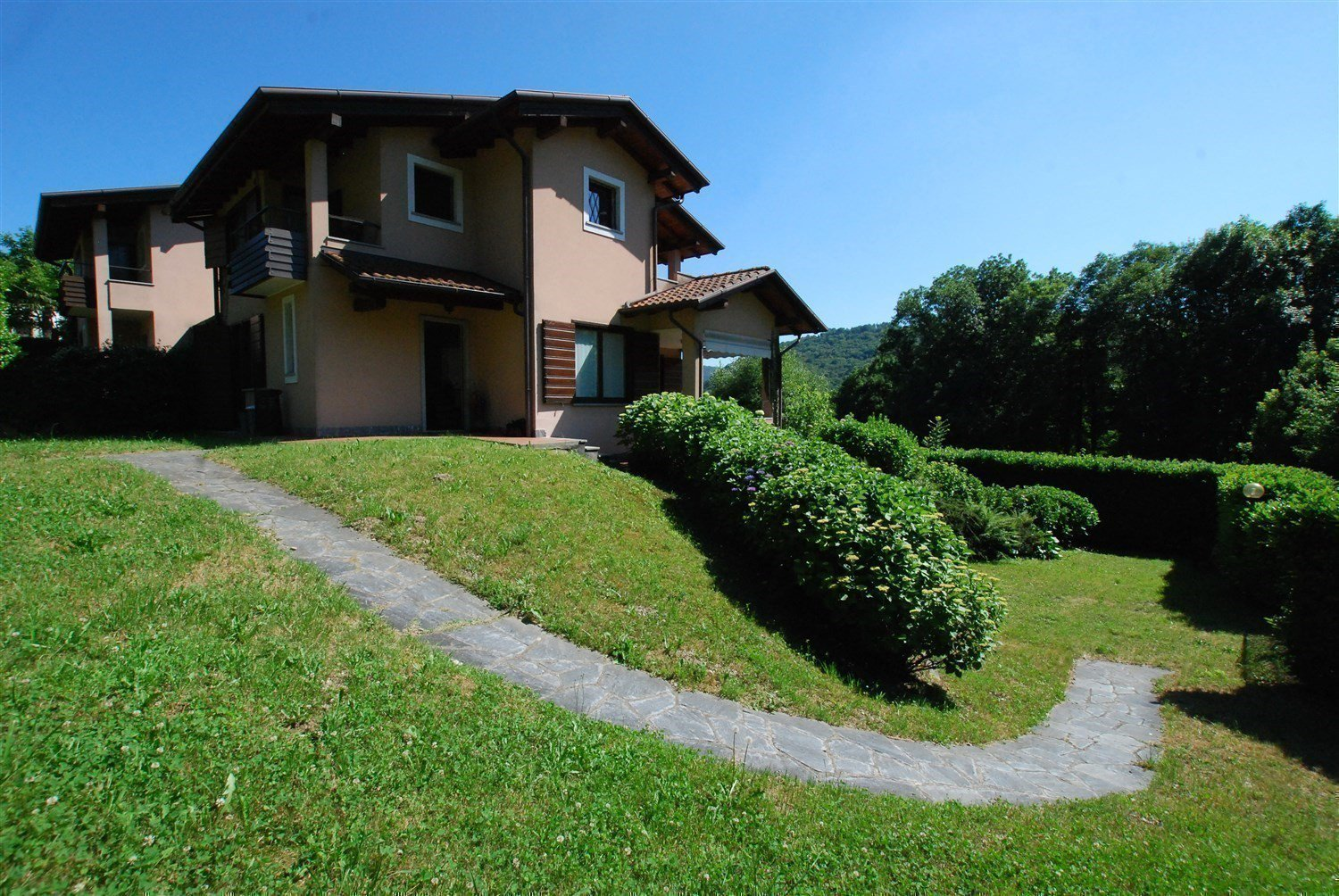 Terraced house for sale in Gignese, based in Vezzo- garden