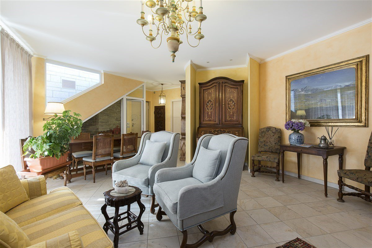 Elegante attico in vendita a Verbania - soggiorno