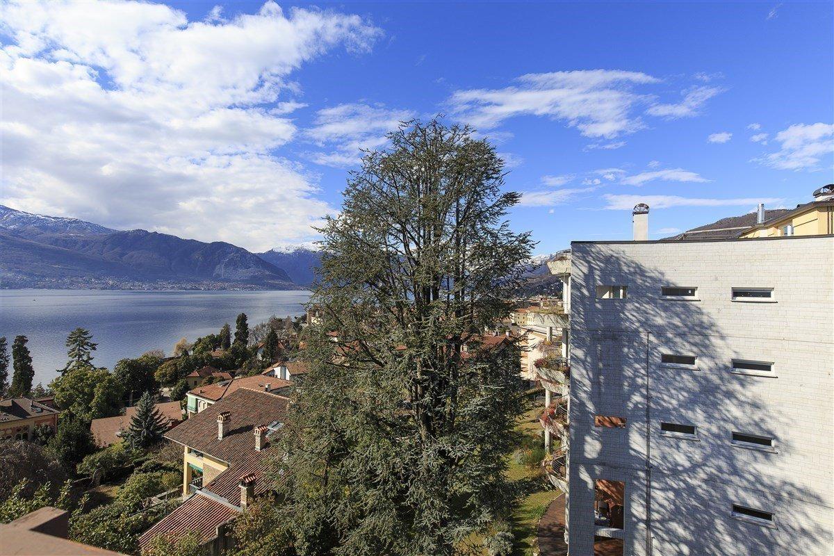 Elegante attico in vendita a Verbania - vista lago