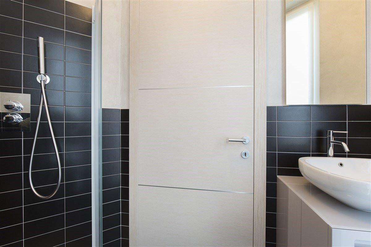 Elegante attico in vendita a Verbania - toilette