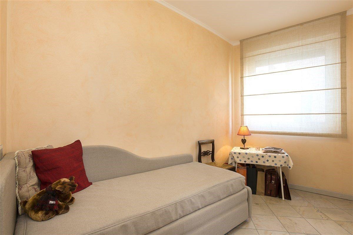 Elegante attico in vendita a Verbania - divano letto