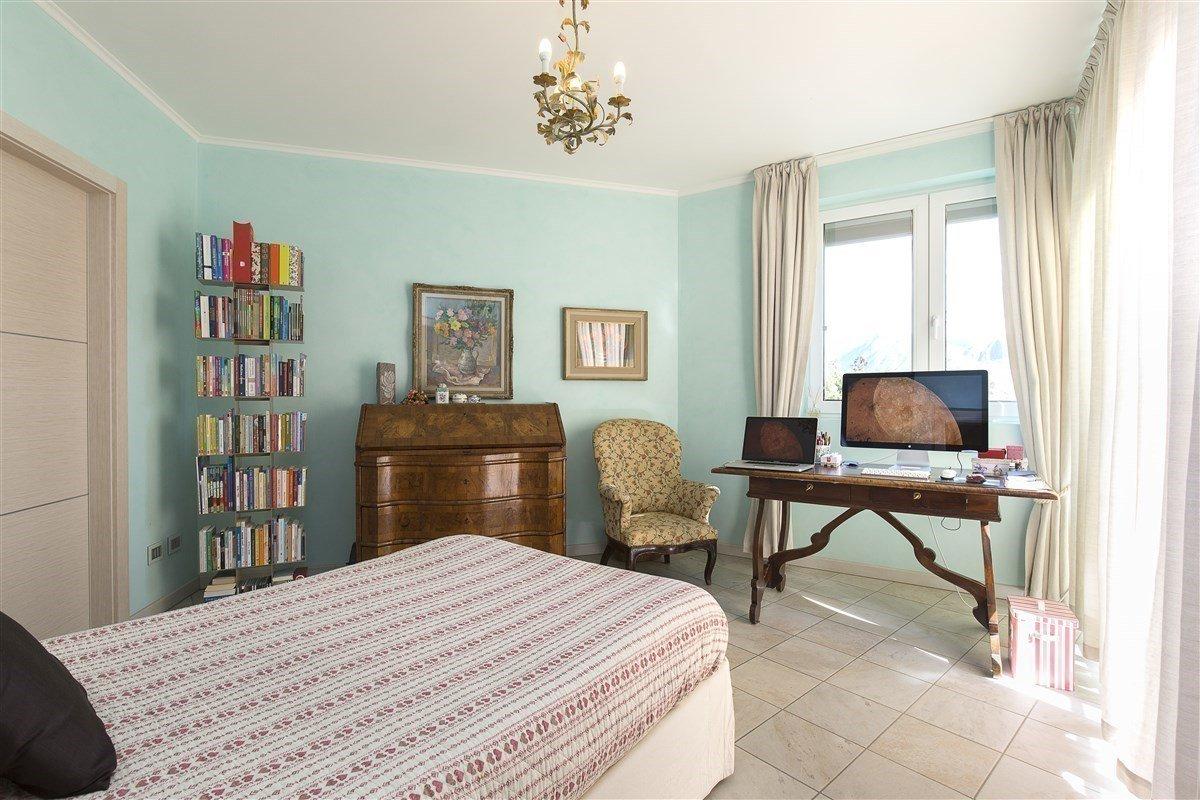 Elegante attico in vendita a Verbania - camera da letto singola