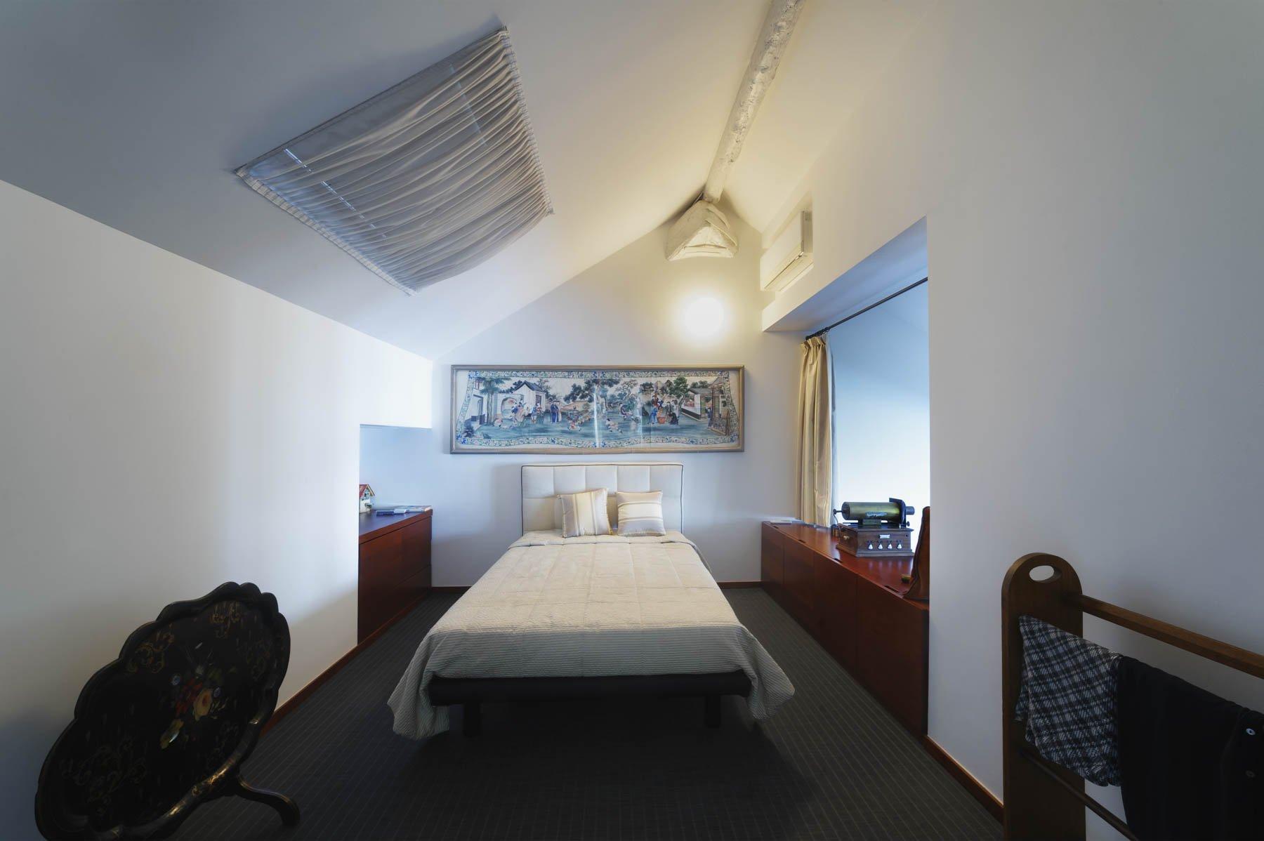 Apartment for sale in Baveno, inside a historic lake front villa - master bedroom
