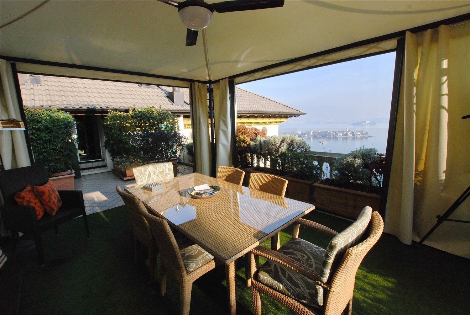 Apartment for sale in Baveno, inside a historic lake front villa - terrace with lake view