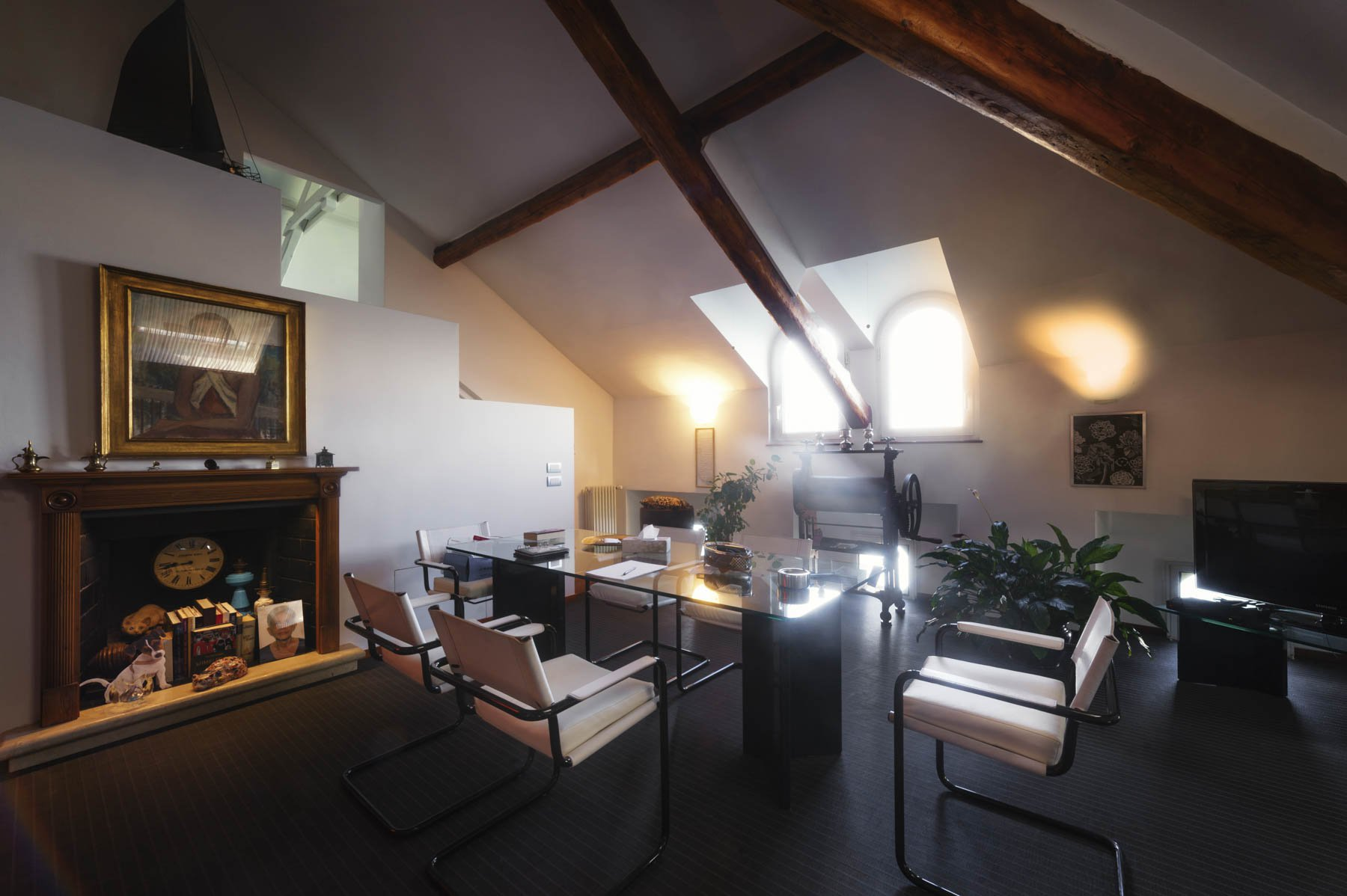 Apartment for sale in Baveno, inside a historic lake front villa - study