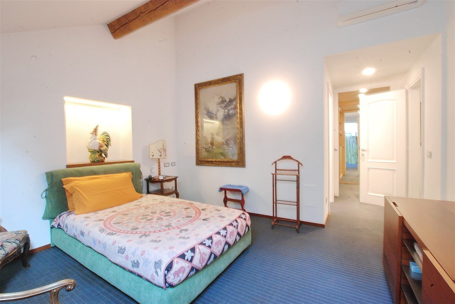 Apartment for sale in Baveno, inside a historic lake front villa - double bedroom