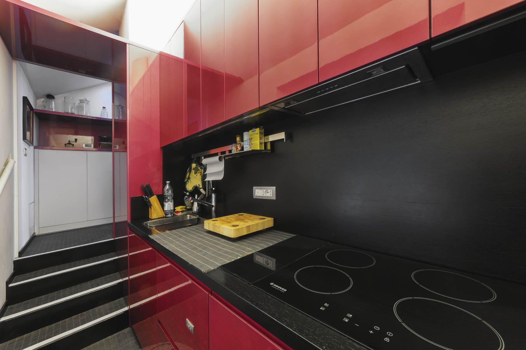 Apartment for sale in Baveno, inside a historic lake front villa - kitchen