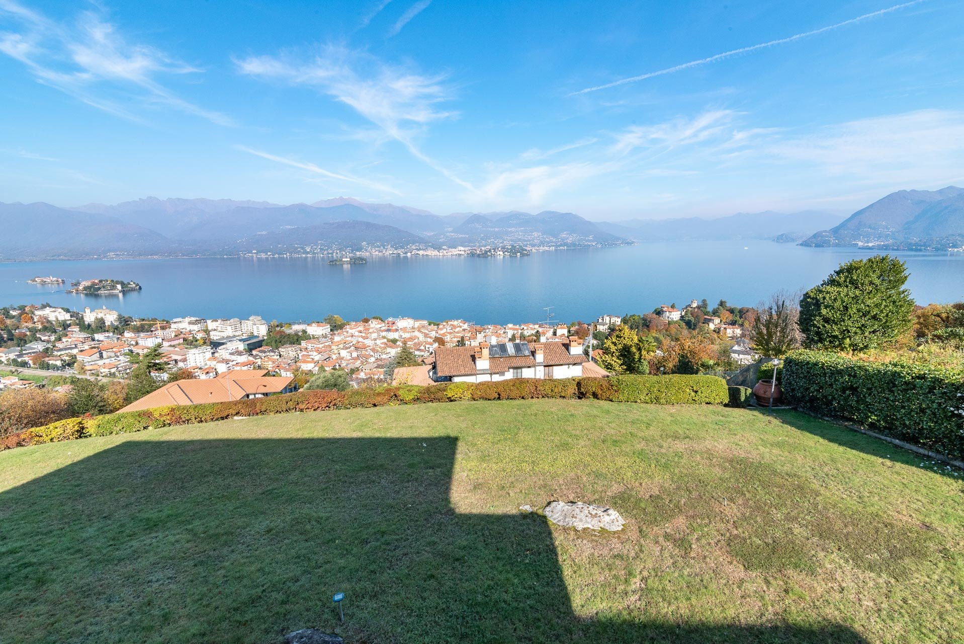 Panoramic view villa for sale in Stresa