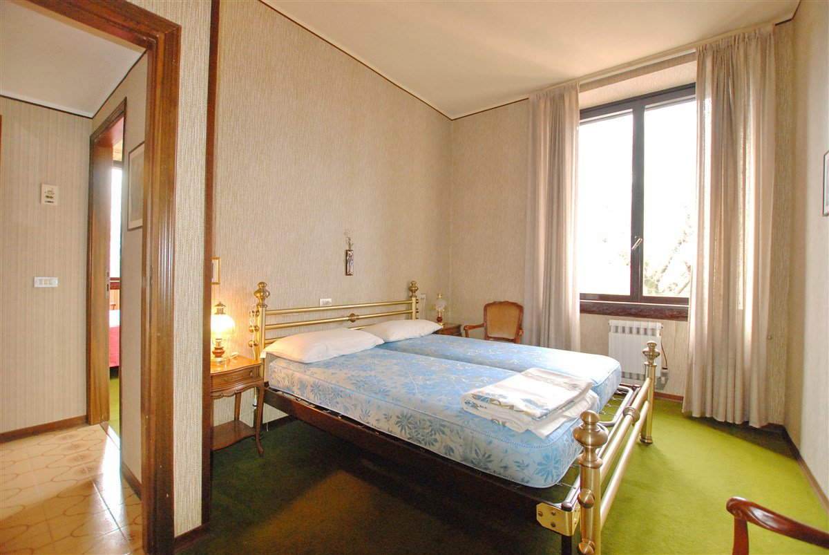 Apartment for sale in a residence in Stresa - bedroom