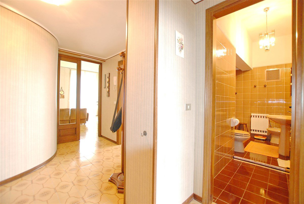 Apartment for sale in a residence in Stresa - intern