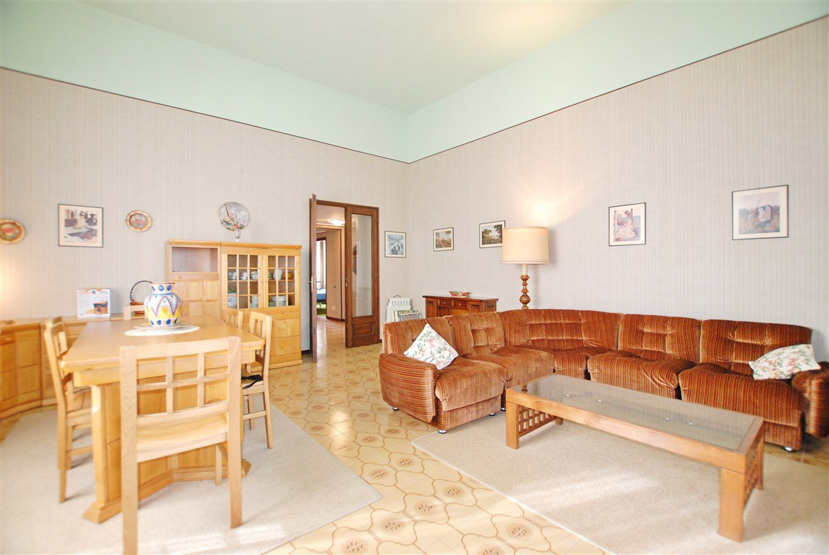 Apartment for sale in a residence in Stresa - living room
