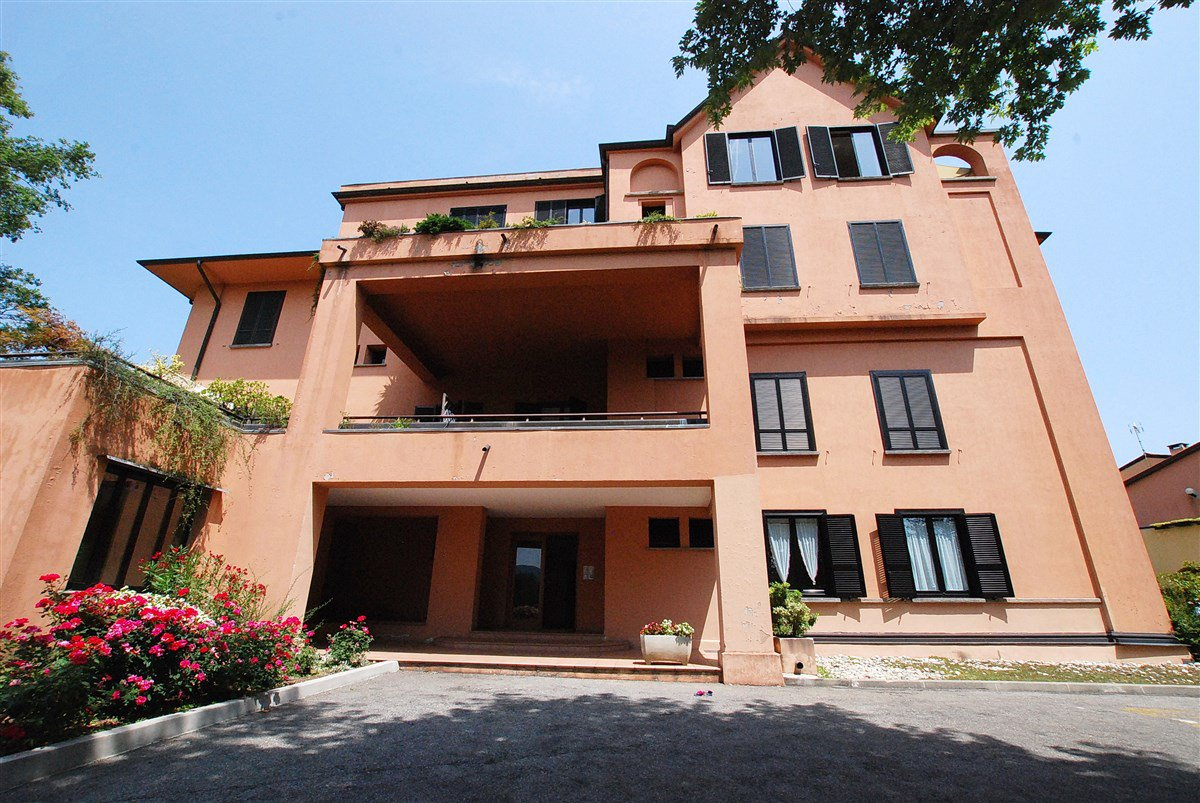 Apartment for sale in a residence in Stresa - building's outside