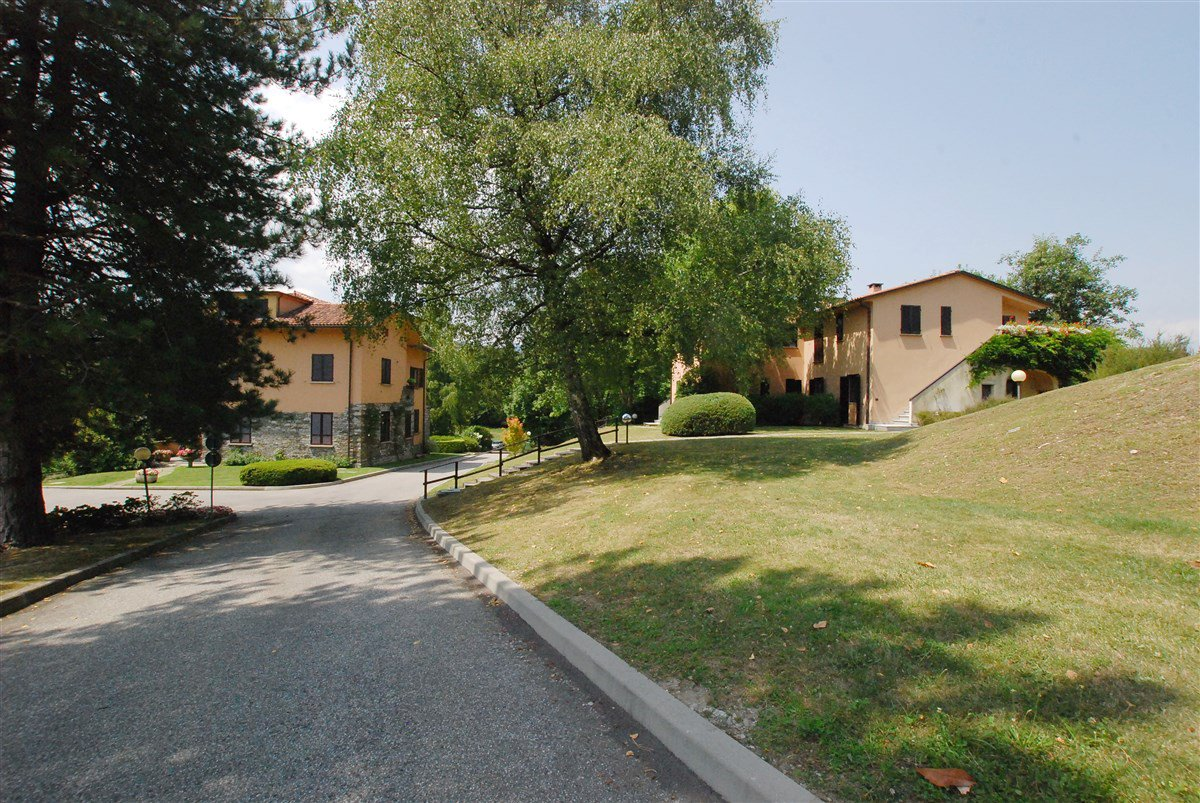 Apartment for sale in a residence in Stresa - garden