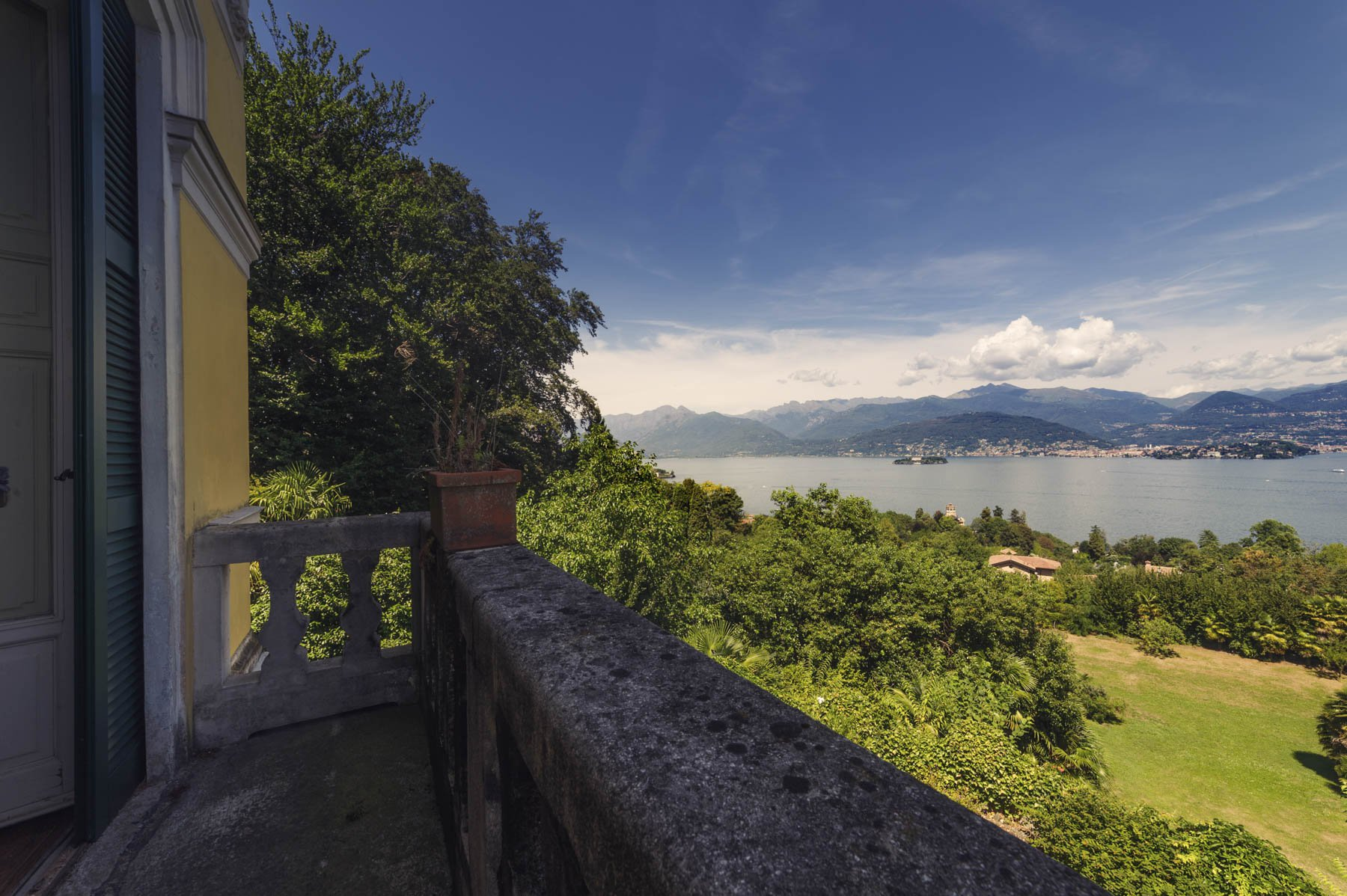 Luxurious apartment for sale in Stresa - lake view terrace