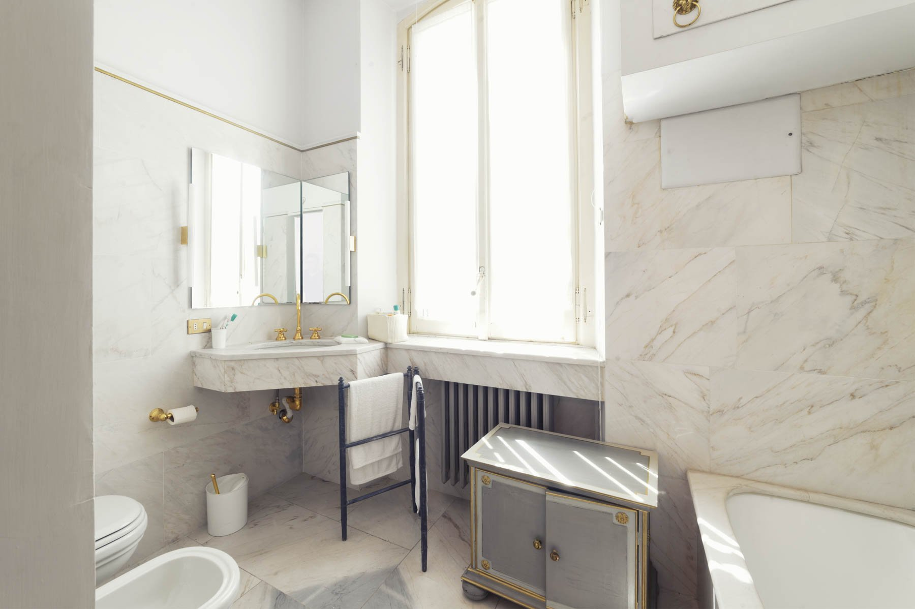 Luxurious apartment for sale in Stresa - bathroom