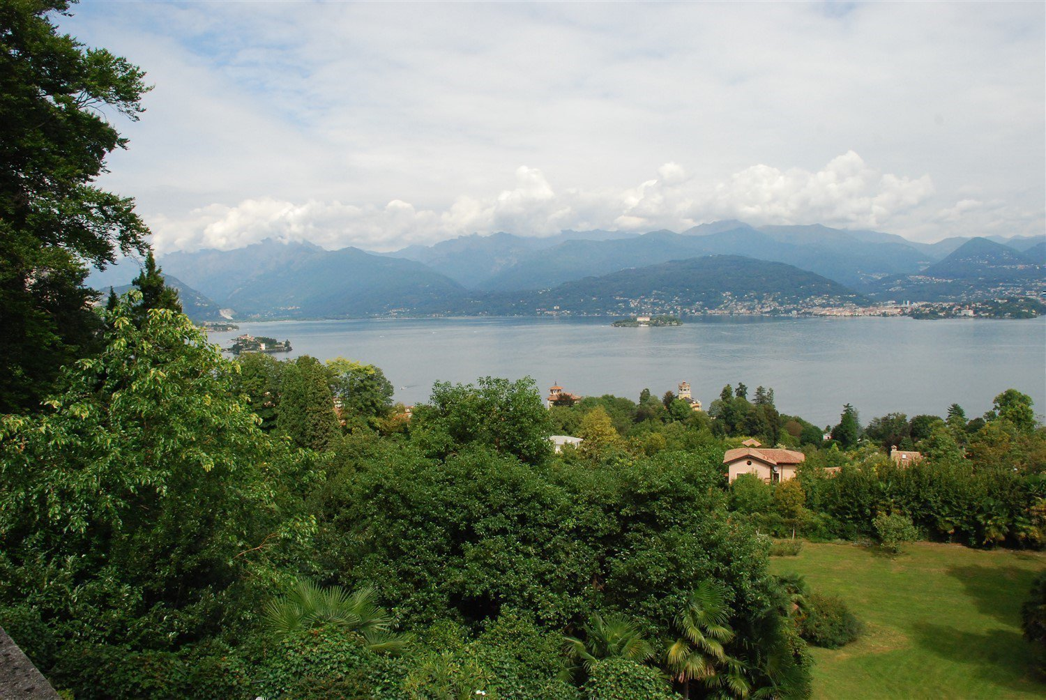 Luxurious apartment for sale in Stresa - lake view