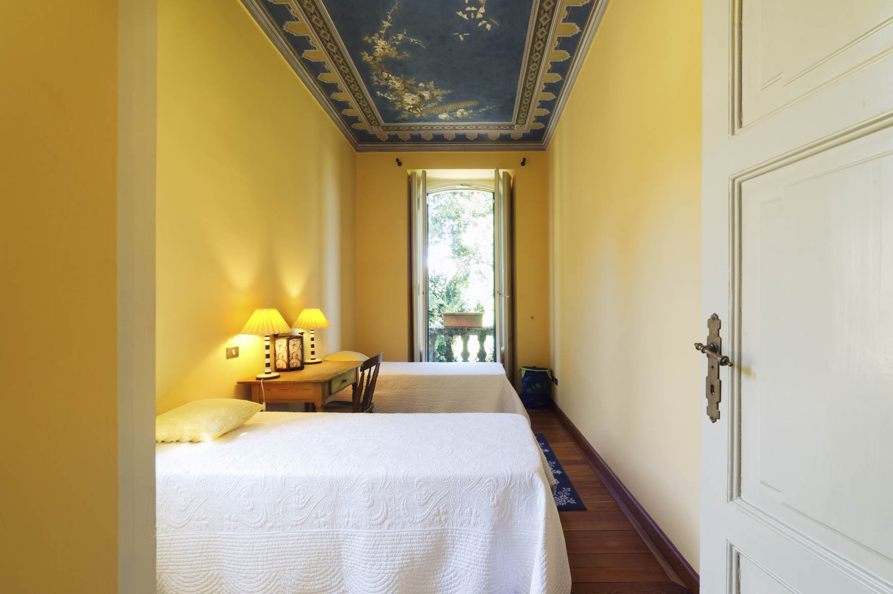 Luxurious apartment for sale in Stresa - bedroom