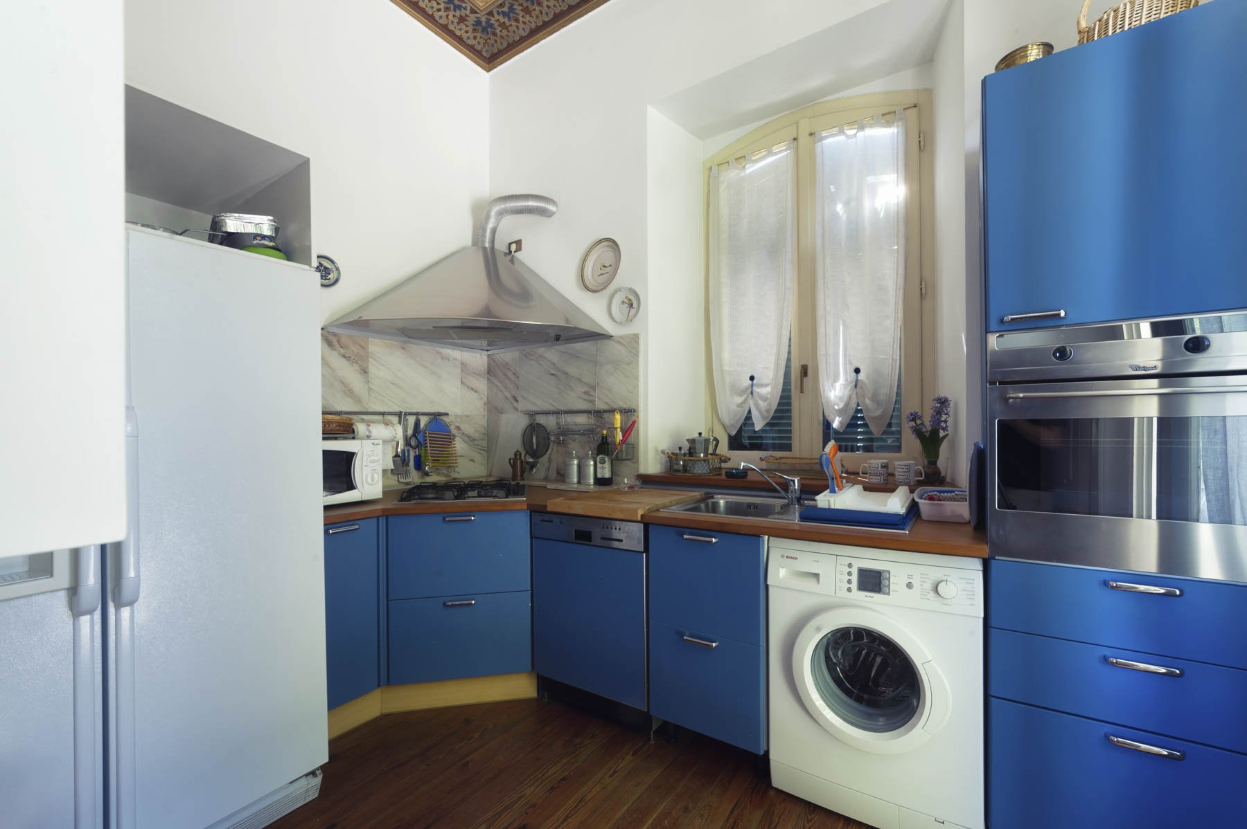 Luxurious apartment for sale in Stresa - kitchen