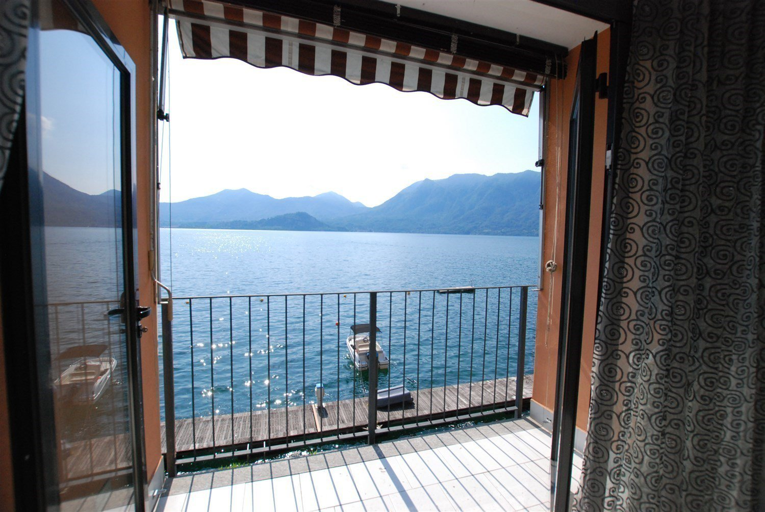 apartment in front of the lake for sale in Ghiffa- terrace with lake view