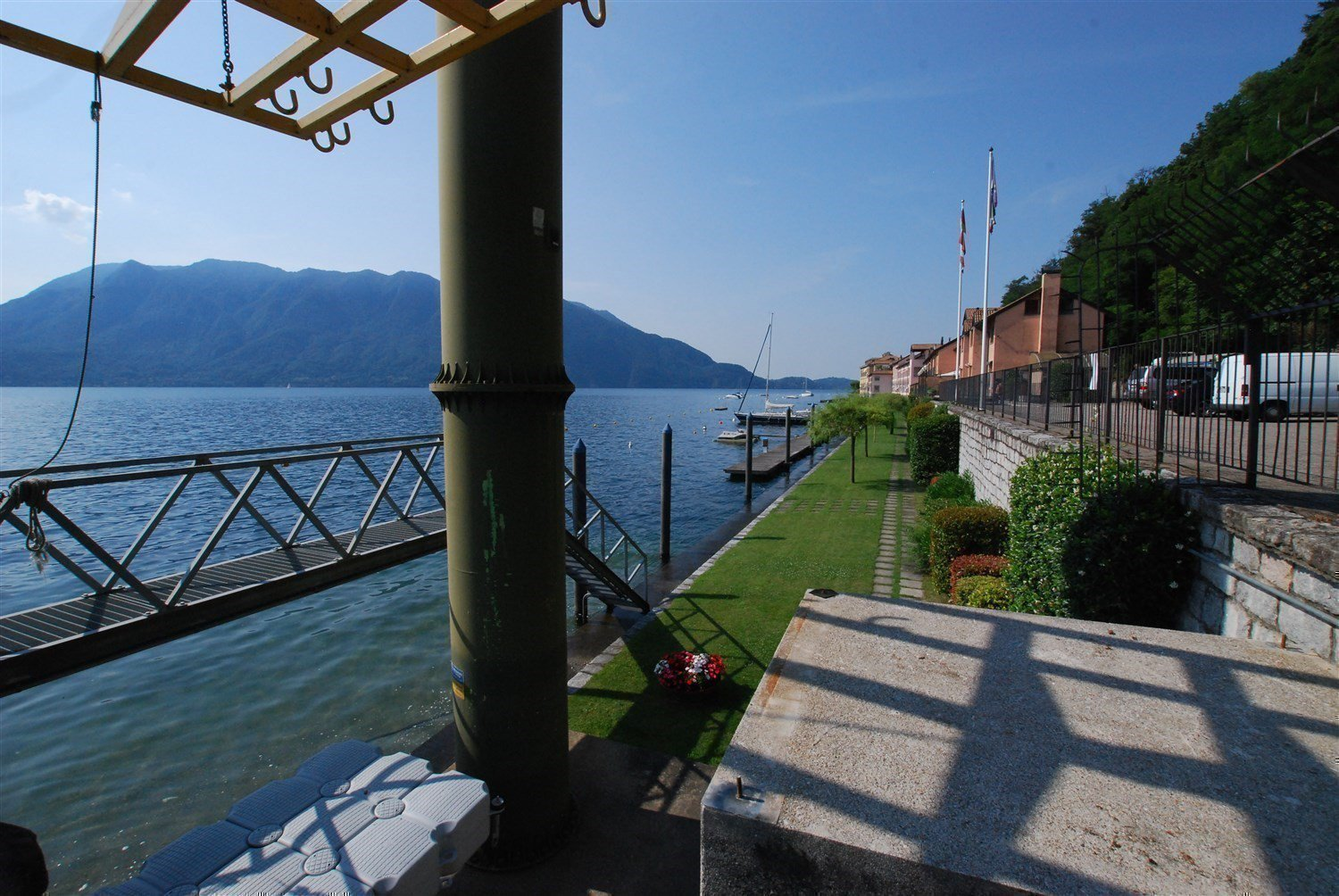 apartment in front of the lake for sale in Ghiffa-lake view