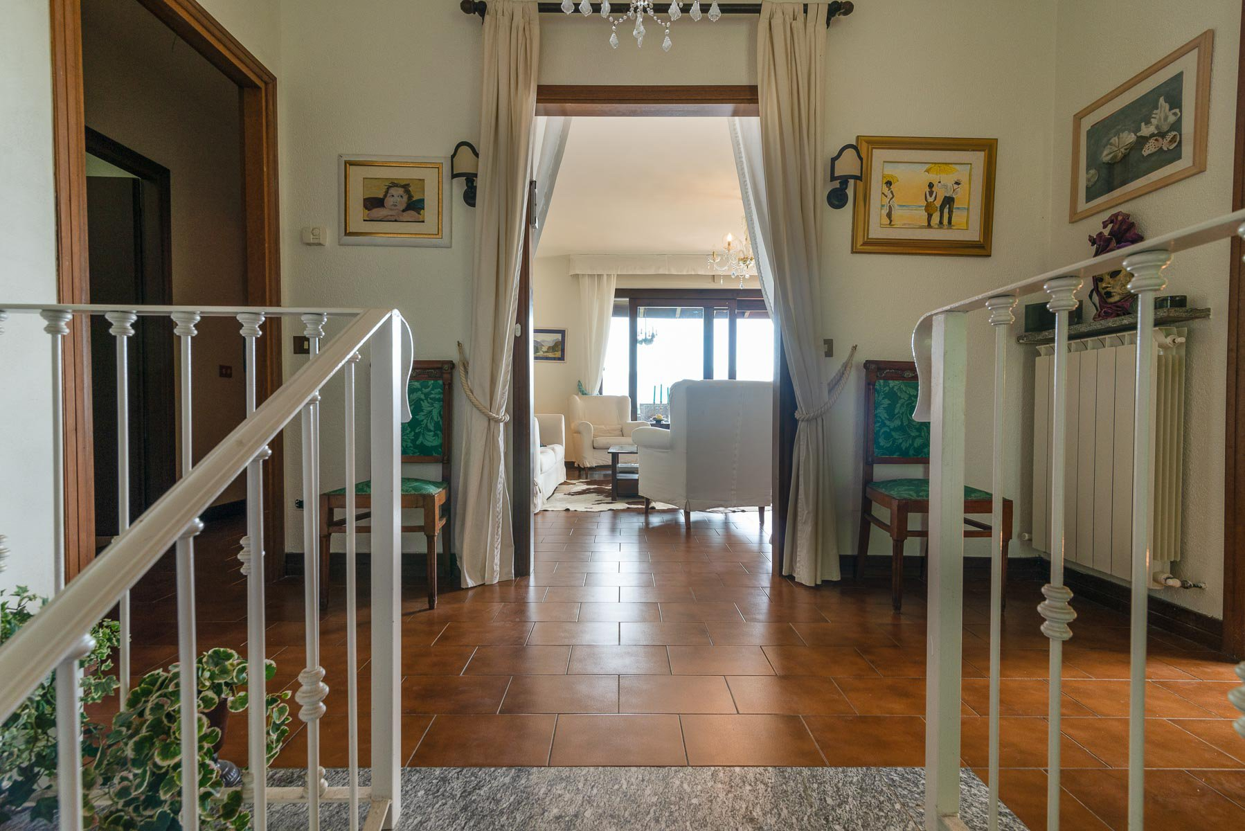 Villa for sale on the hill of Stresa with lake  view- larger  floor