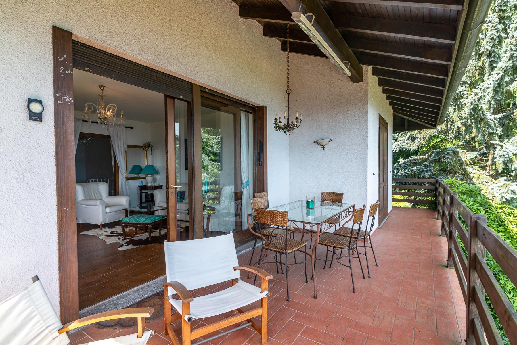 villa for sale on the hill of Stresa with lake view- terrace
