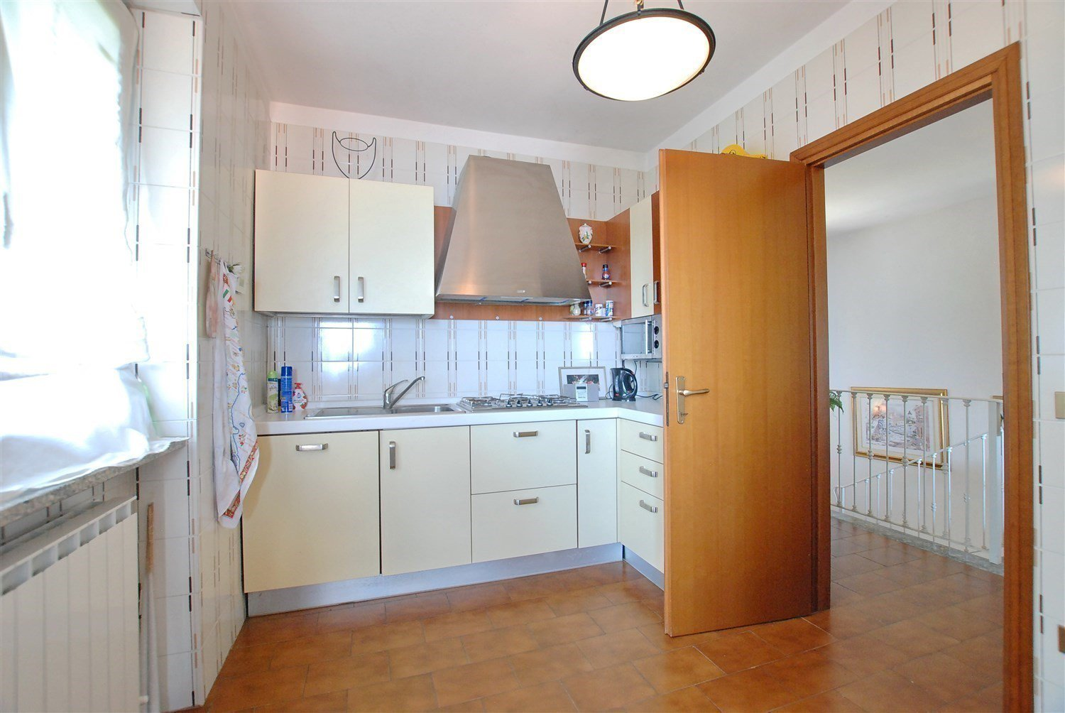 Villa for sale on the hill of Stresa with lake view- kitchen