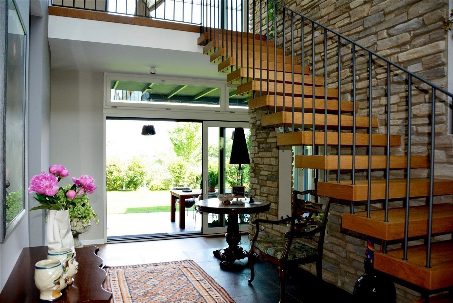 Luxurious villa for sale in Pura - stairs