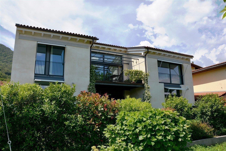 Luxuriöse Villa zum Verkauf in Pura
