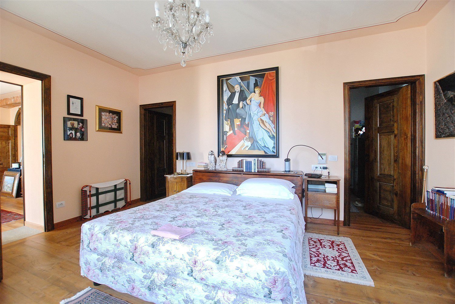 Historic villa with guesthouse and land for sale in Verbania - bedroom